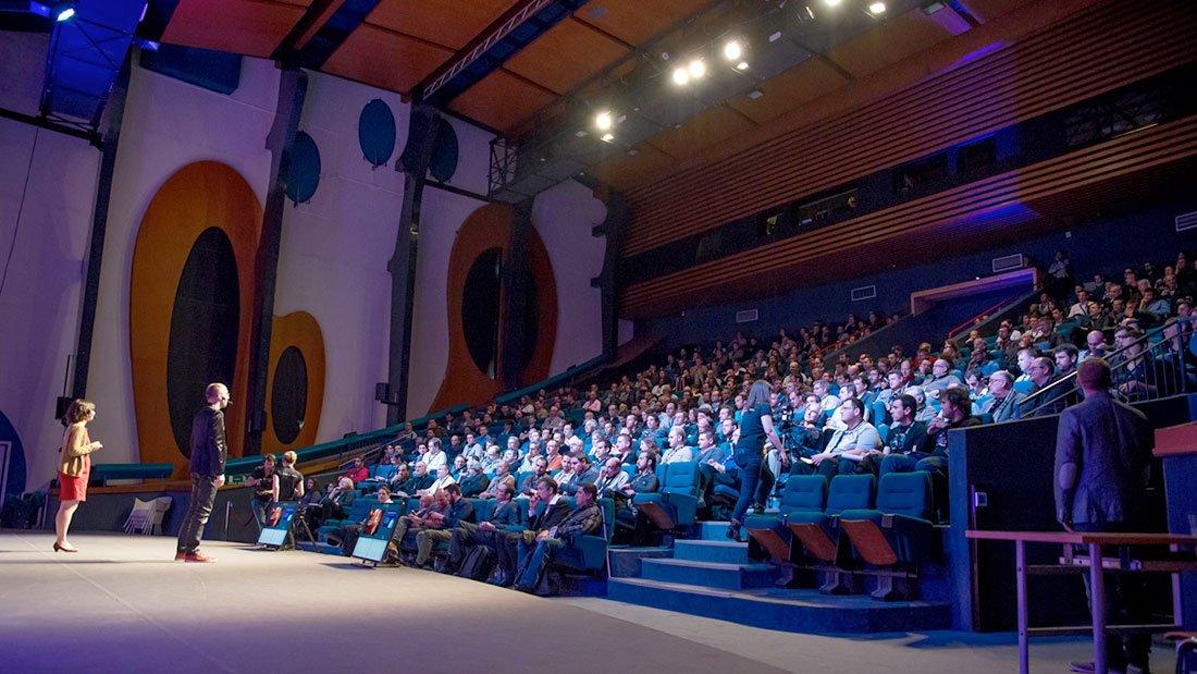Salle comble pour les conférences OVH qui attirent plus de monde qu'une ministre