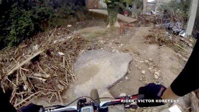 Victor Koretzky filme les dégâts en VTT