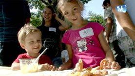 es enfants heureux de participer au concours du petit chef pendant le festival gastronomique de Saint Jean de Buèges