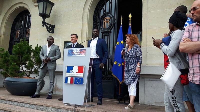 Moussa Sissoko, devant la mairie d'Aulnay sous Bois