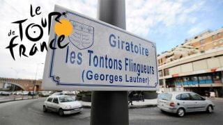 Tour-de-france-panneau-des-tontons-flingueurs-sur-un-rond-point-a-montauban-le-6-fevrier-2014
