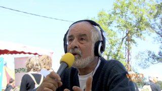 Jean-Louis Chopy au micro de radio escapade lors de la convergence énergétique de Lézan