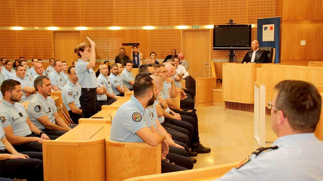 Les femmes gendarmes sont également présentes