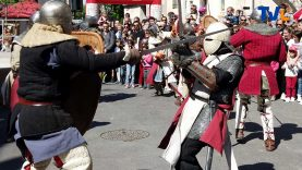 es heaumes et casques des chevaliers pendant les médiévales du Grand Pic Saint Loup de Saint Martin de Londres en 2019