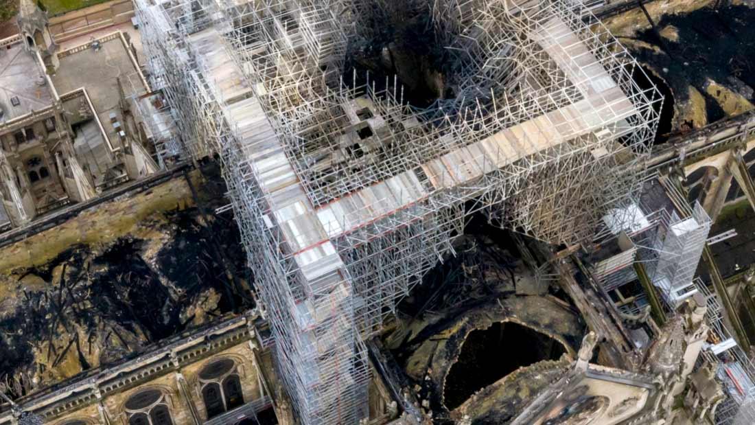 transept-ouvert-notre-dame-paris-drone