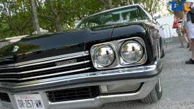 Une Buick parmi les voitures anciennes exposées à Sommières au profit de la lutte contre le cancer