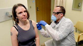 Jennifer Haller est la première personne au monde à recevoir un vaccin contre le nouveau coronavirus.