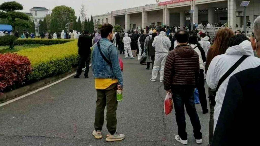 Doutes ou mensonges sur les chiffres des victimes chinoises ? 45 000 urnes funéraires seulement pour la ville de Wuhan alors que la Chine ne parle officiellement que de 3200 morts du coronavirus dans tout le pays.
