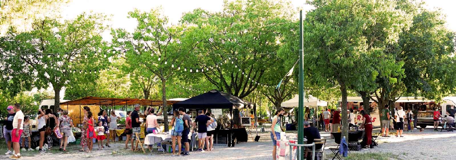 Au cœur du village d'Aspères, un marché hebdomadaire de producteurs bio locaux a vu le jour Mardi dernier